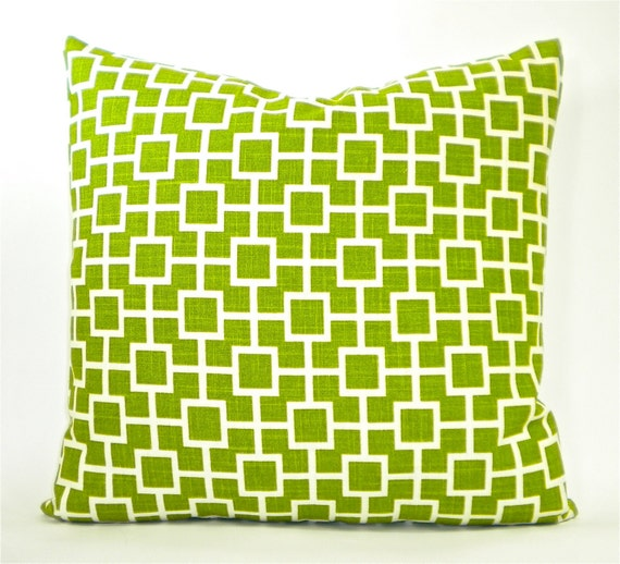 """Contemporary Robert Allen """"Cat's Cradle"""" Designer Decorator Pillow Cover - Grass Green and White - To Cover 20""""x20"""" Pillow Form"""