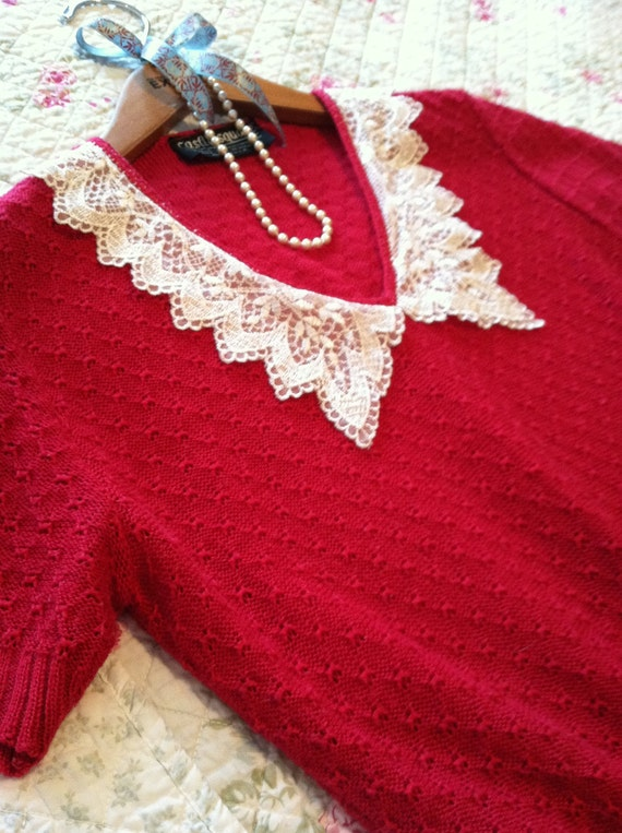 Reserved for beebeestuff Red short sleeved sweater with lace applique made by Castle Square size small medium shabby chic, cottage chick