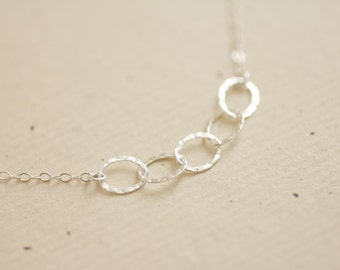 Amour - sterling silver hammered ovals chain necklace - simple delicate jewelry