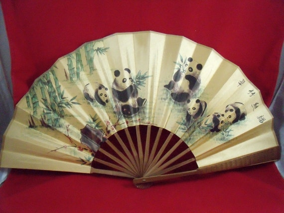 Vintage Chinese Decorative Hand Painted Silk Fan