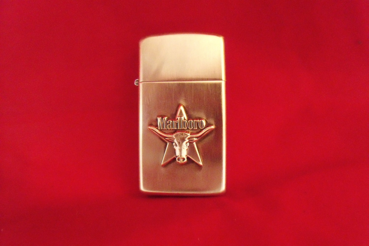 Vintage ZIPPO Brass Lighter MARLBORO Steerhead Star Emblem