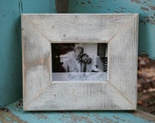 Distressed wooden picture frame painted Cream: Distressed frame with a 5x7 opening