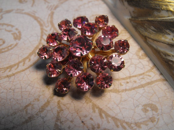 PINK AURORA RHINESTONE brooch, vintage, jewelry, fuchsia,art glass, costume jewelry, pin