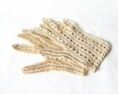Vintage Crocheted Gloves - Gorgeous pair of ivory gloves -beige cotton thread, ivory cotton, wedding gloves