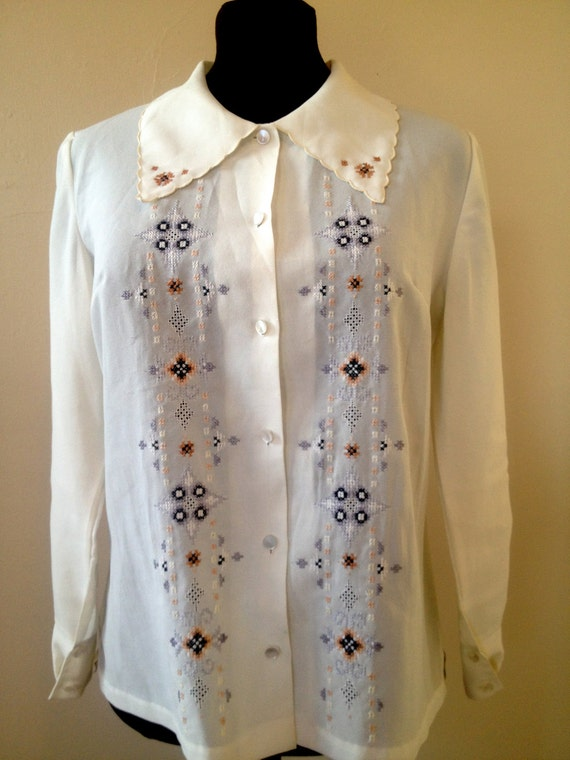 VINTAGE 1970s Women's Semi-Sheer Embroidered Pointed-Collar Blouse