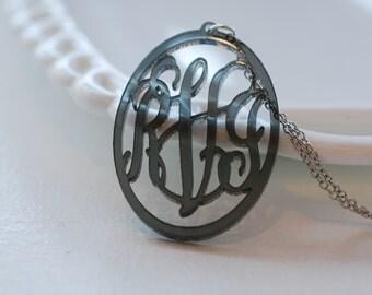 Oblong vine acrylic necklace