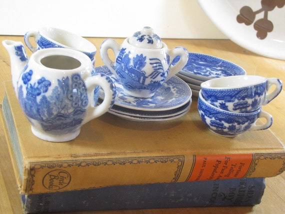 Childs Willow Tea Set
