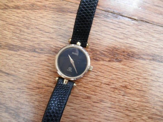 RESERVEDVintage Gucci watch