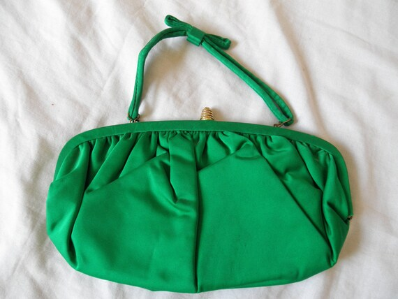Vintage kelly green convertible clutch handbag 1960s-1970s