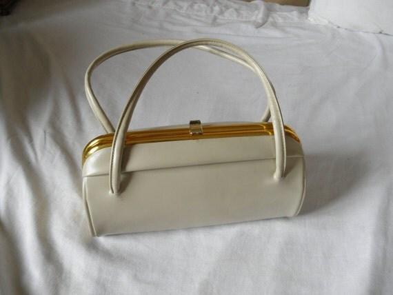Vintage 1950s ivory barrel handbag purse