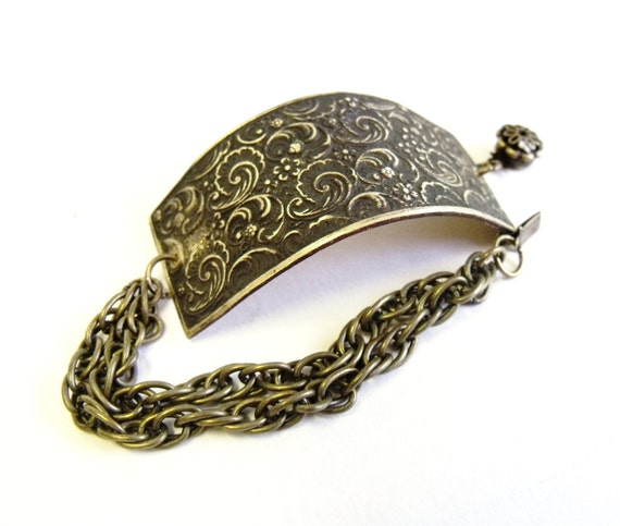 Vintage floral bracelet