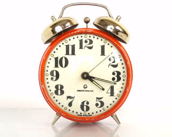 Vintage Mechanical Red Alarm Clock Mera-Poltik