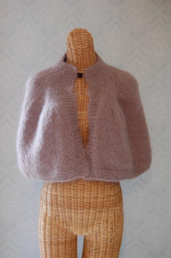 1950s Warm Beige Mohair Knitted Cape