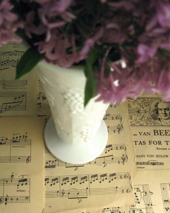 Vintage Milk Glass Flower Vase, Colony Harvest