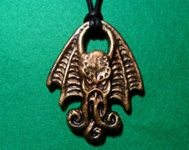 Cthulhu head necklace - unique hp lovecraft gothic design