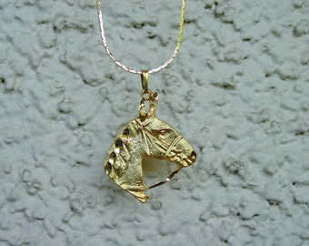 """Horse Head Equestrian Jewelry Pendant with 18"""" Chain Necklace 14K Gold Plated Great Detail"""