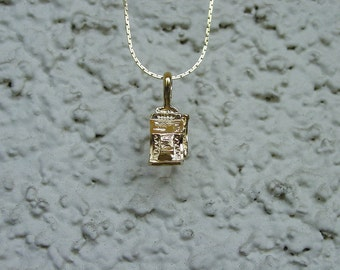 """Casino Slot Machine Jewelry Pendant & 18"""" Chain Necklace 14K Gold Plated Great Detail"""