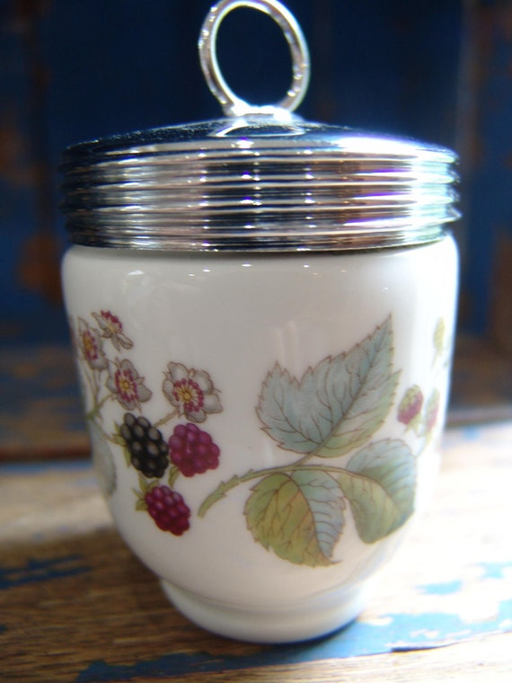Vintage Royal Worcester England LAVANIA Pattern EGG CODDLER - Blackberries and Leaves
