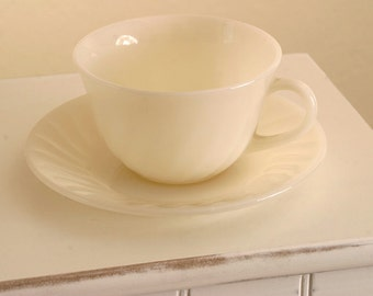 VINTAGE 1950s Fire King Ivory Swirl Cup and Saucer
