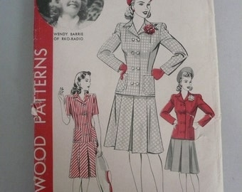 Antique Hollywood Pattern 850  Two Piece Suit  Misses Size 18  with Wendy Barrie