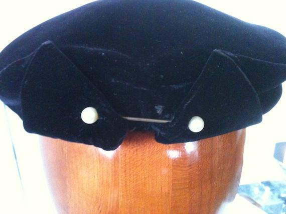 Elegant Black, Silk Velvet 50s Cocktail Cap/ Hat with Pearl Pin.