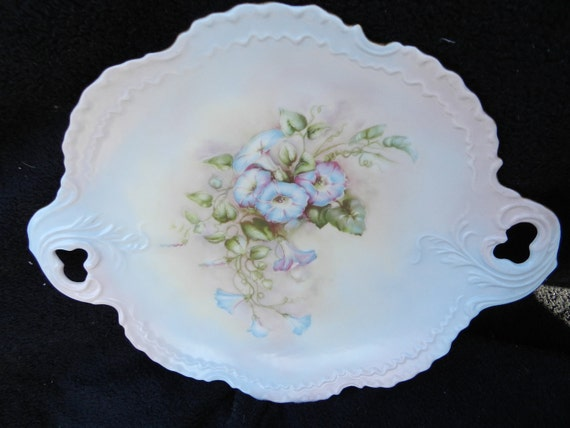 Cake Plate: Hand decorated porcelain