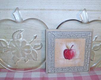 SALE! - Retro Vintage Plastic Apple Plates and Wall Plaque - Home Decor - Housewares - Kitchen Decor - Country Decor
