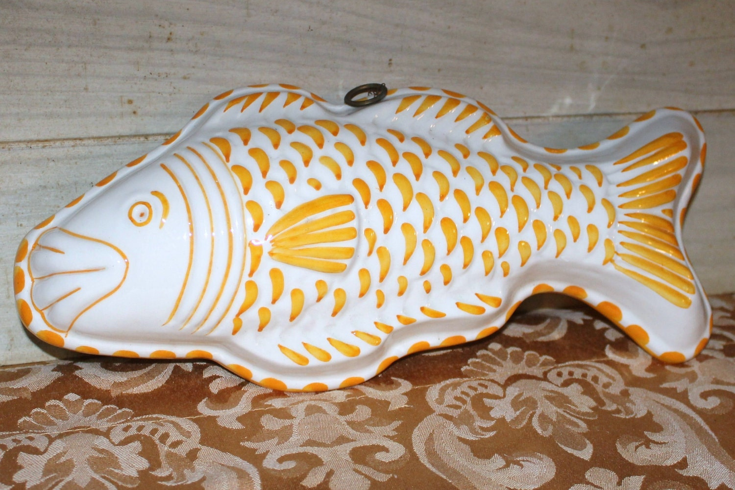 Vintage yellow and white ceramic fish mold housewares home for Koi fish mold