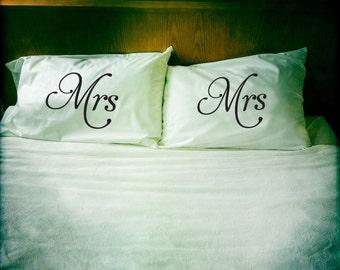 Mrs & Mrs pillowcase set