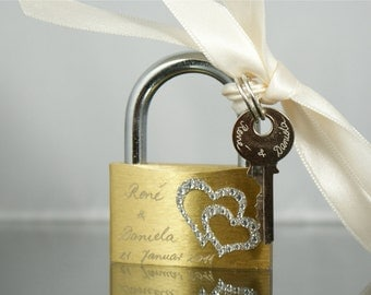 ENGRAVED LOVE PADLOCK -  Wedding Day, Valentine, Valentines Day, Wedding - L