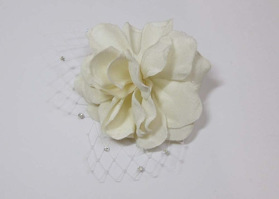 Ivory Silk Crepe Gardenia Flower Hairpin with Birdcage Net Petals