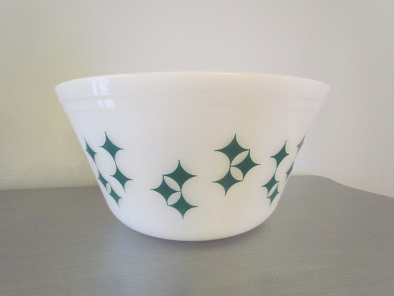 Vintage Federal Glass Diamond Mixing Bowl