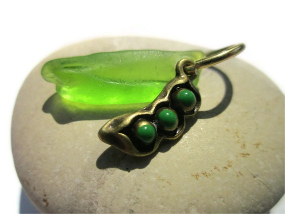Sweet Pea Seaglass and Pea Pod Charm with NuGold Non Tarnish Brass Jumpring for Pendant or Charm, Lake Michigan Sea Glass