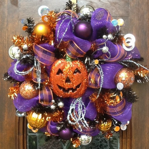24 inch Glittery Pumpkin Halloween Wreath