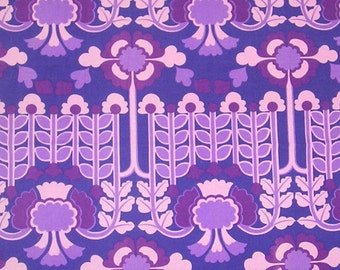 Vintage Retro Fabric Remnant - 1960s Garland By Susan Crook Textra Fabric