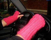 Handmade Fuschia Fingerless Gloves