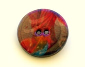 Wood button brooch pin with abstract design in red, mauve and turquoise 4011