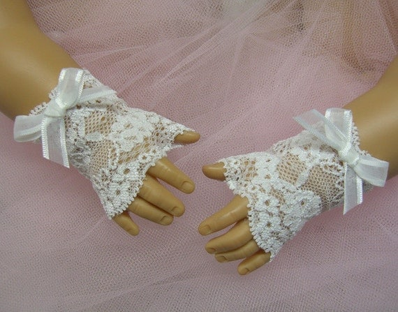 FINGERLESS LACE GLOVES for American Girl Dolls White with White Bows Easter Cecile Elizabeth Felicity