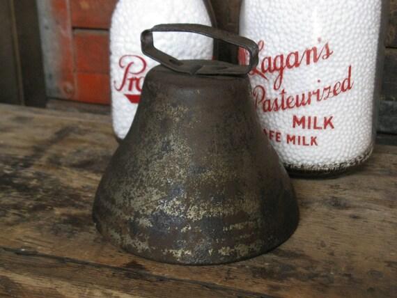 antique cast iron bell / farmhouse / schoolhouse / primitive / SALE