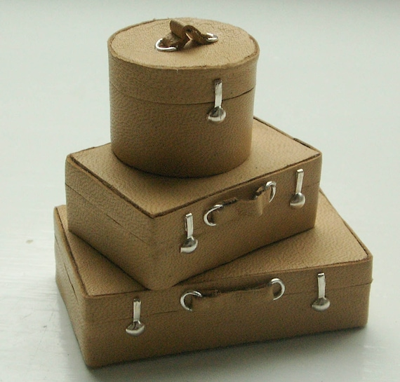 """1"""" scale leather suitcases (non-opening)"""