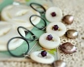 Stitch Markers Antique Buttons Shell Cultured Pearl No Snag Set of 4