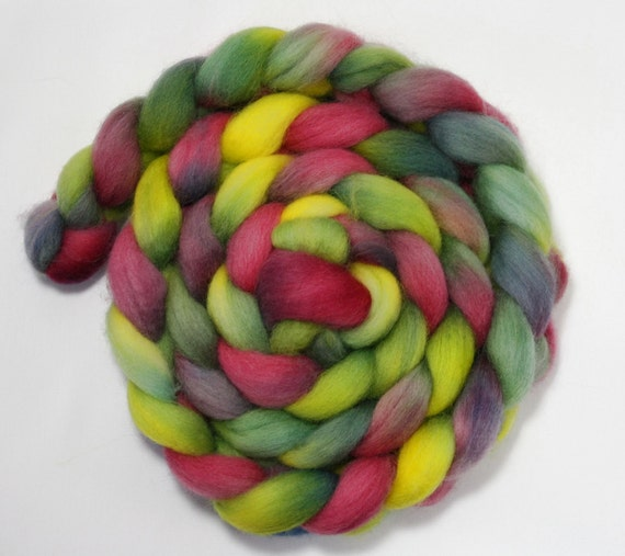 Handpainted Roving - Fuchsia - Punta Wool top roving, 4 ounces.