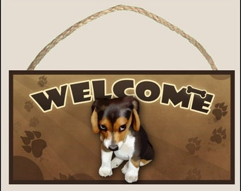 """The Guilty Beagle ( sitting ) 10"""" x 5"""" Wooden Welcome Sign"""