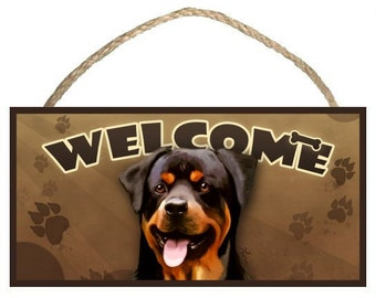 "Rottweiler 10"" x 5"" Wooden Welcome Sign"