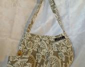 Designer Handbag with matching Coin Purse / Beige & White Floral