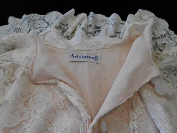 reserved for Tess  LACE and NYLON ROBE c.1960