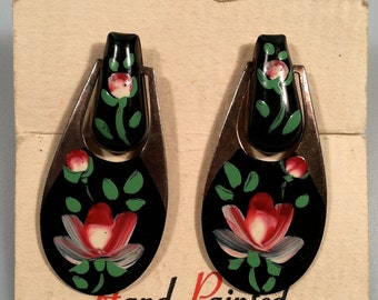 SHABBY Chic Hand  Painted Floral Earrings Original Card Dangle Earrings Flower Earrings 1940s Vintage New/Old Stock