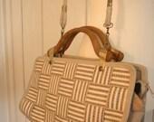 Vintage 70's handbag with wooden handles