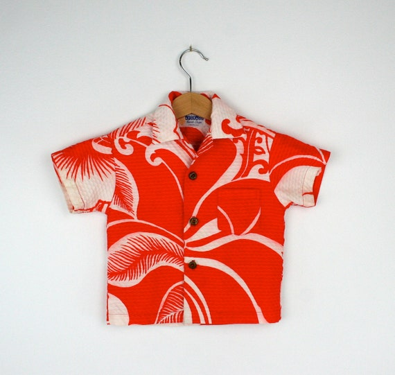 Vintage Hawaiian Surfer Shirt Sleeved in Red and White