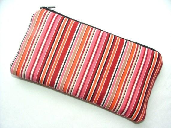 SALE... Medium Zipper Pouch, padded, gadget smart phone pouch